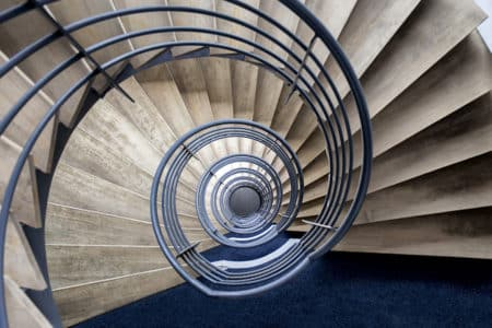 photo pauline chovet escalier volute bleue