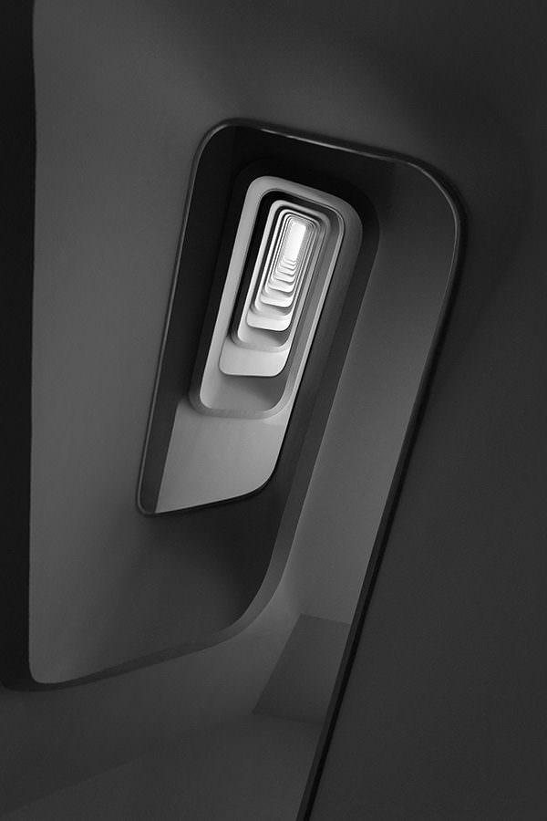 cadre photo pauline chovet escalier profondeur du noir