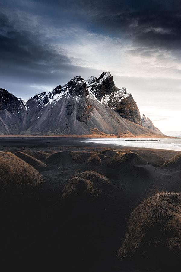 photo entre plage et montagne peralta
