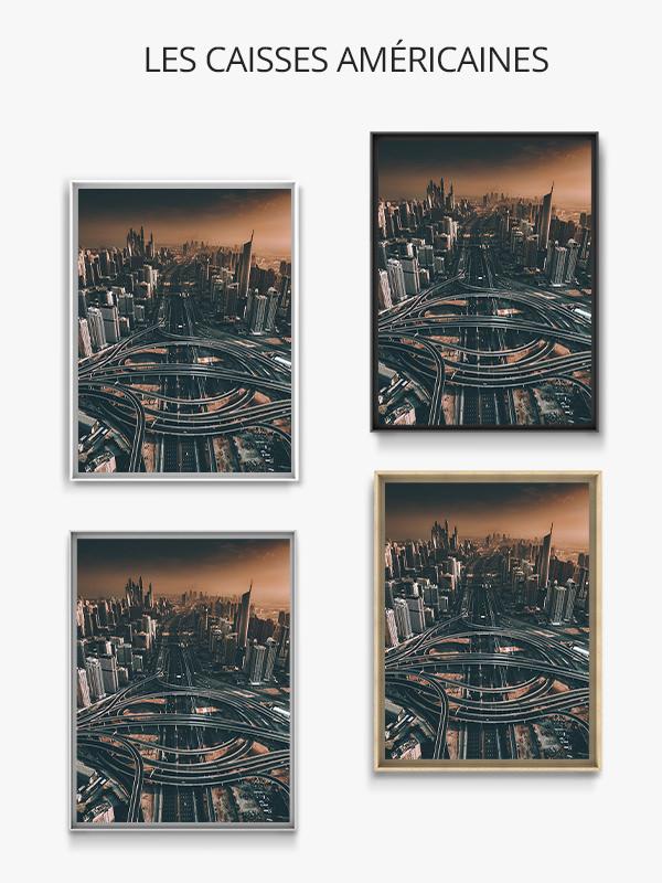 Cette vue aérienne de Dubaï au coucher du soleil offre un panorama vertigineux de la ville et de son infrastructure démesurée. Localisation: Dubaï, Emirats Arabes Unis