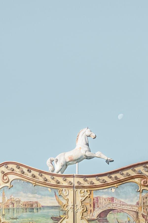 Photo-cheval-lunaire-laura-sanchez-3-2-80-120